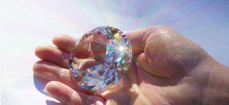 เพชร,เพชรขาว,เพชรสวย,แหวนเพชร,ต่างหูเพชร,เพชรร่วง,เพชรใบเซอร์,GIA,HRD,ขายเพชร,ร้านเพชร,Proud Gems,Siam Discovery