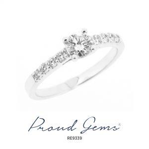 9339RE W 300x300 - แหวนหมั้นเพชร RE9339